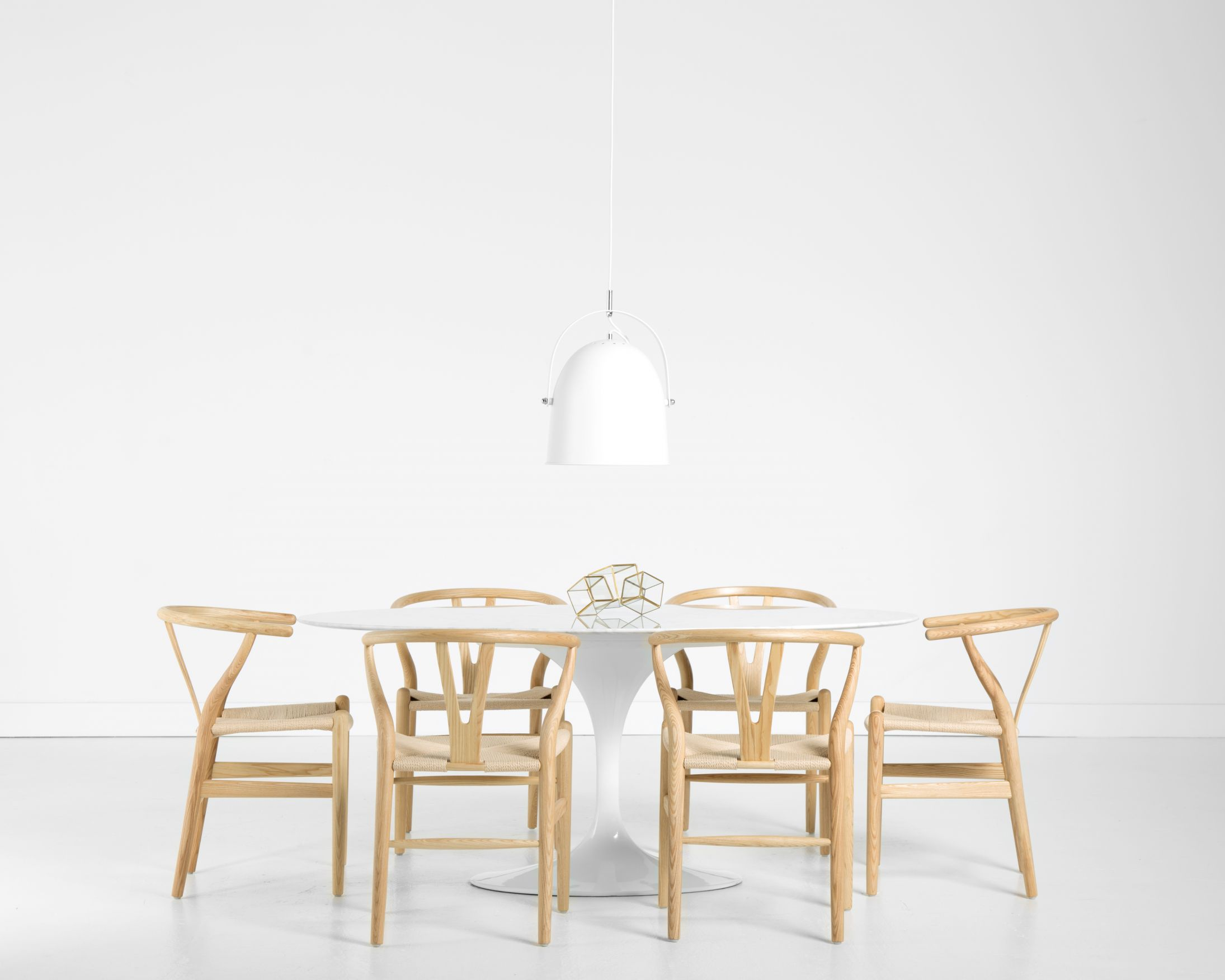 Design Tulip Table 67 oval tulip table carrara marble 7 piece dining set rove with wishbone chairs