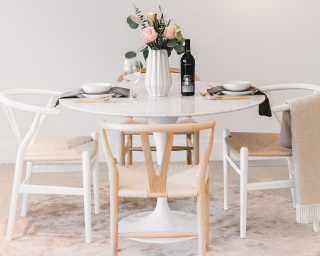 Tulip Table Round   Carrara