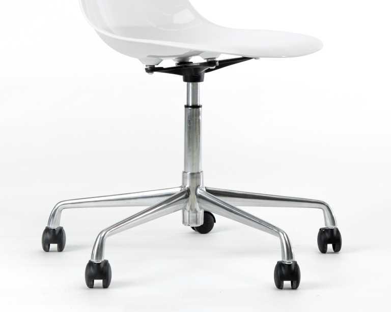DSR Task Chair Fiberglass Mid Century Modern