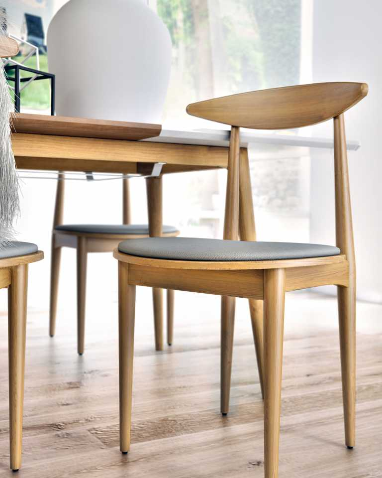 Marcus 5-Piece Dining Set with Holm Chairs