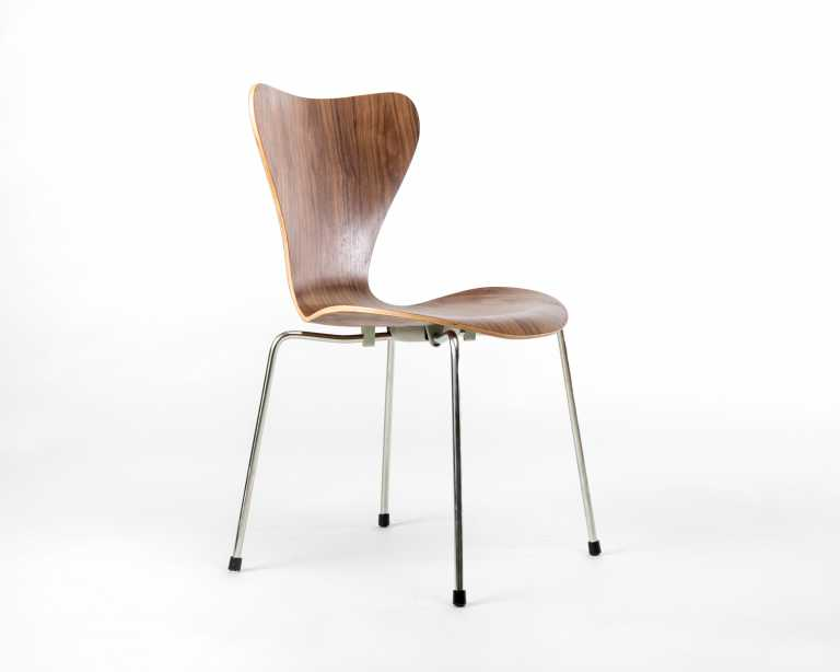 Jacobsen Series 7 Chair Series 7 Chair Mid Century Modern Reproduction