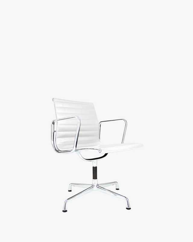 EA106 Aluminum Group Chair - Commercial Series